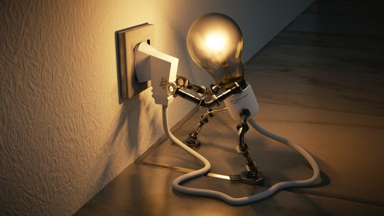 EAC supports society with new extension of the 10% reduction in electricity bills!